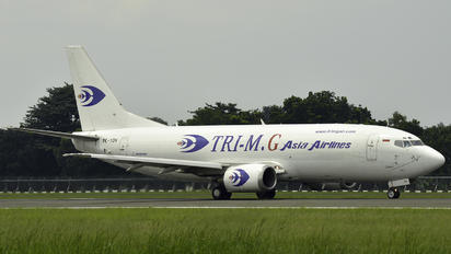 PK-YGH - Tri-MG Airlines Boeing 737-300