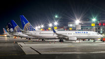 N14235 - United Airlines Boeing 737-800 aircraft