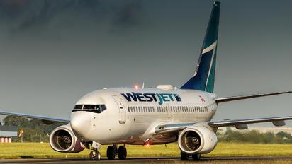 C-GQWJ - WestJet Airlines Boeing 737-700