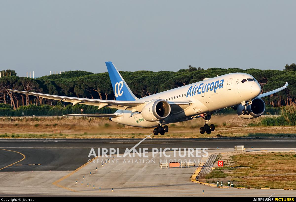 Air Europa EC-MIG aircraft at Barcelona - El Prat