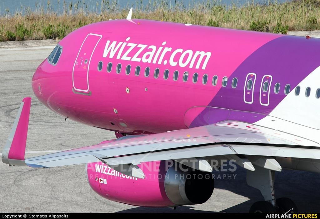 Wizz Air HA-LWR aircraft at Corfu - Ioannis Kapodistrias