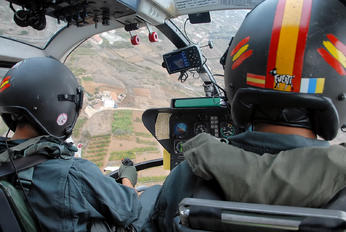 HU.15-88 - Spain - Guardia Civil MBB Bo-105CB