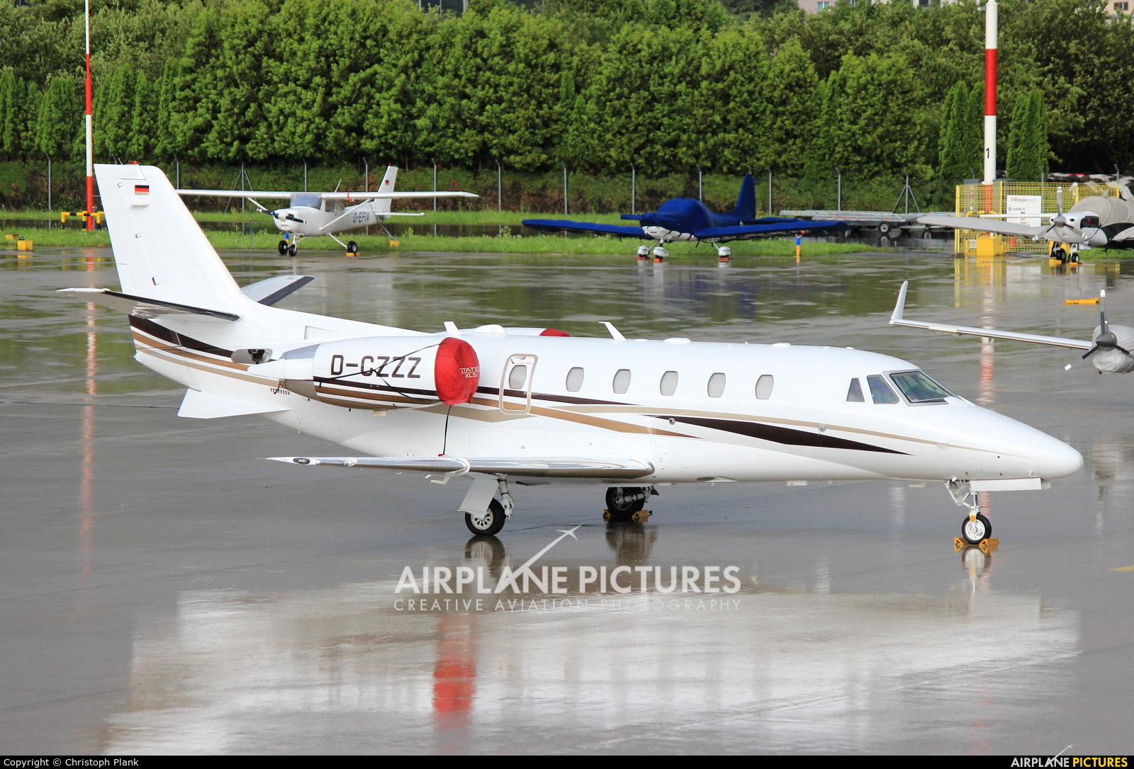 DC Aviation D-CZZZ aircraft at Innsbruck