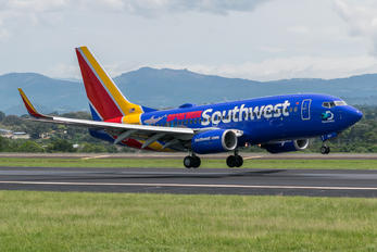 N422WN - Southwest Airlines Boeing 737-700