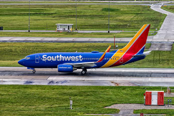 N7835A - Southwest Airlines Boeing 737-700