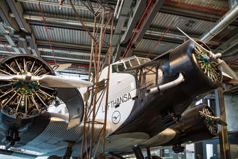 - - Lufthansa Junkers Ju-52
