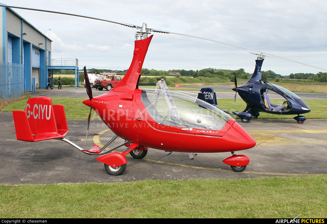 Private G-CIYU aircraft at Wolverhampton - Halfpenny Green
