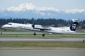 N422QX - Alaska Airlines - Horizon Air de Havilland Canada DHC-8-400Q / Bombardier Q400