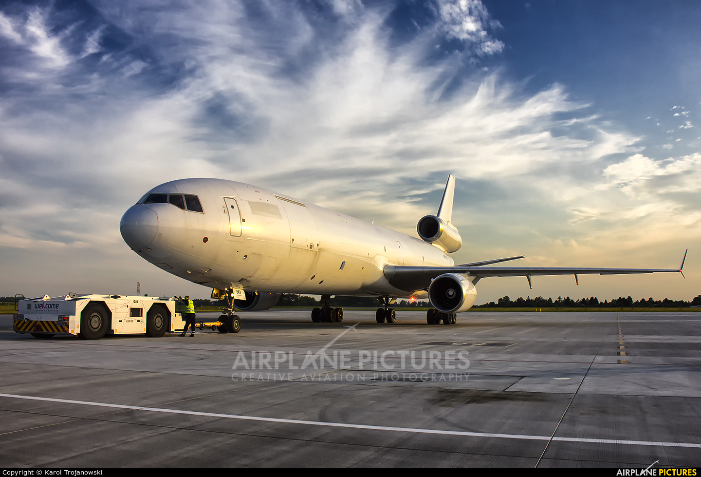 Western Global Airlines N542KD aircraft at Warsaw - Frederic Chopin
