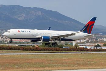 N156DL - Delta Air Lines Boeing 767-300ER