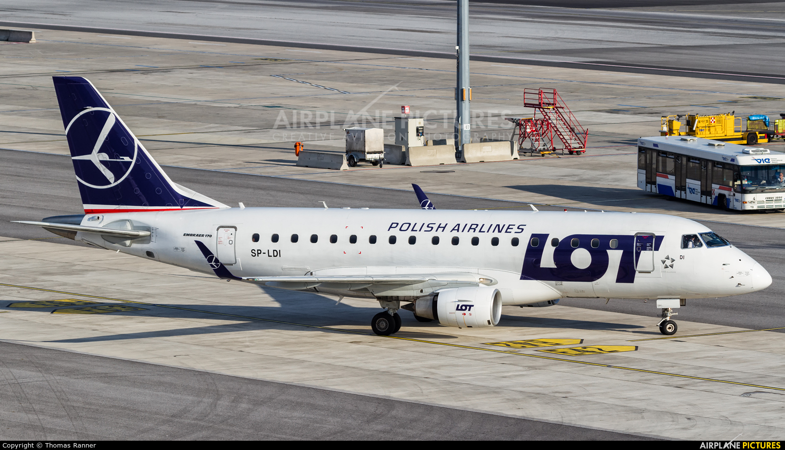 LOT - Polish Airlines SP-LDI aircraft at Vienna - Schwechat