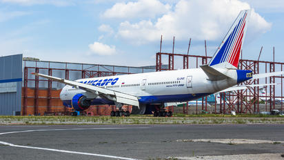 EI-UNX - Transaero Airlines Boeing 777-200ER