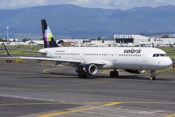 XA-VLT - Volaris Airbus A321