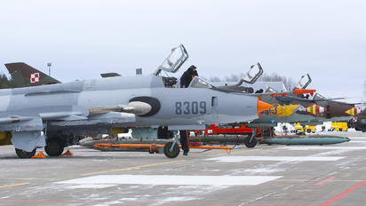 8309 - Poland - Air Force Sukhoi Su-22M-4