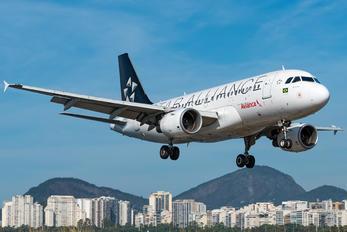 PR-AVB - Avianca Brasil Airbus A319