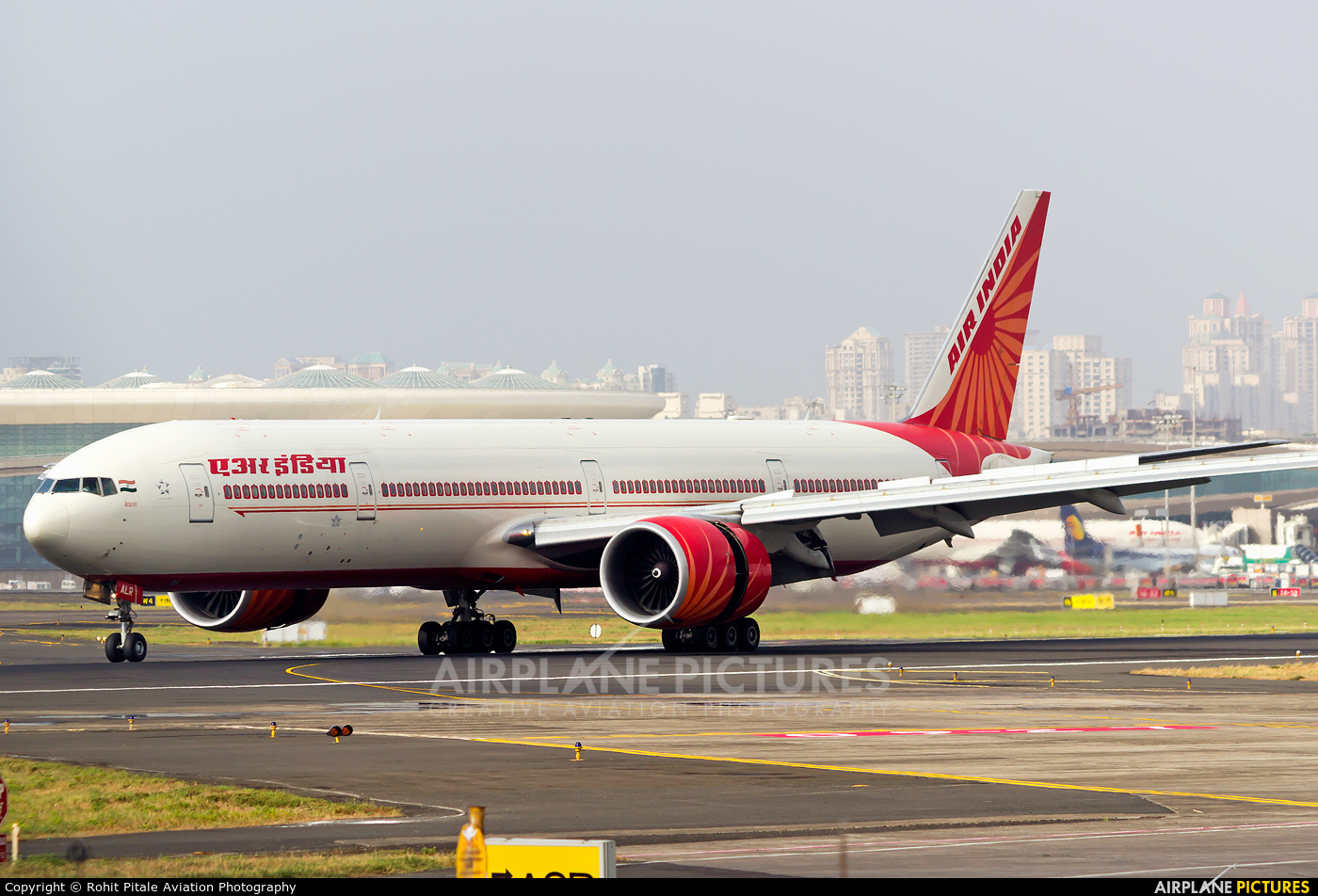 Air India VT-ALR aircraft at Mumbai - Chhatrapati Shivaji Intl