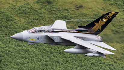 ZA548 - Royal Air Force Panavia Tornado GR.4 / 4A
