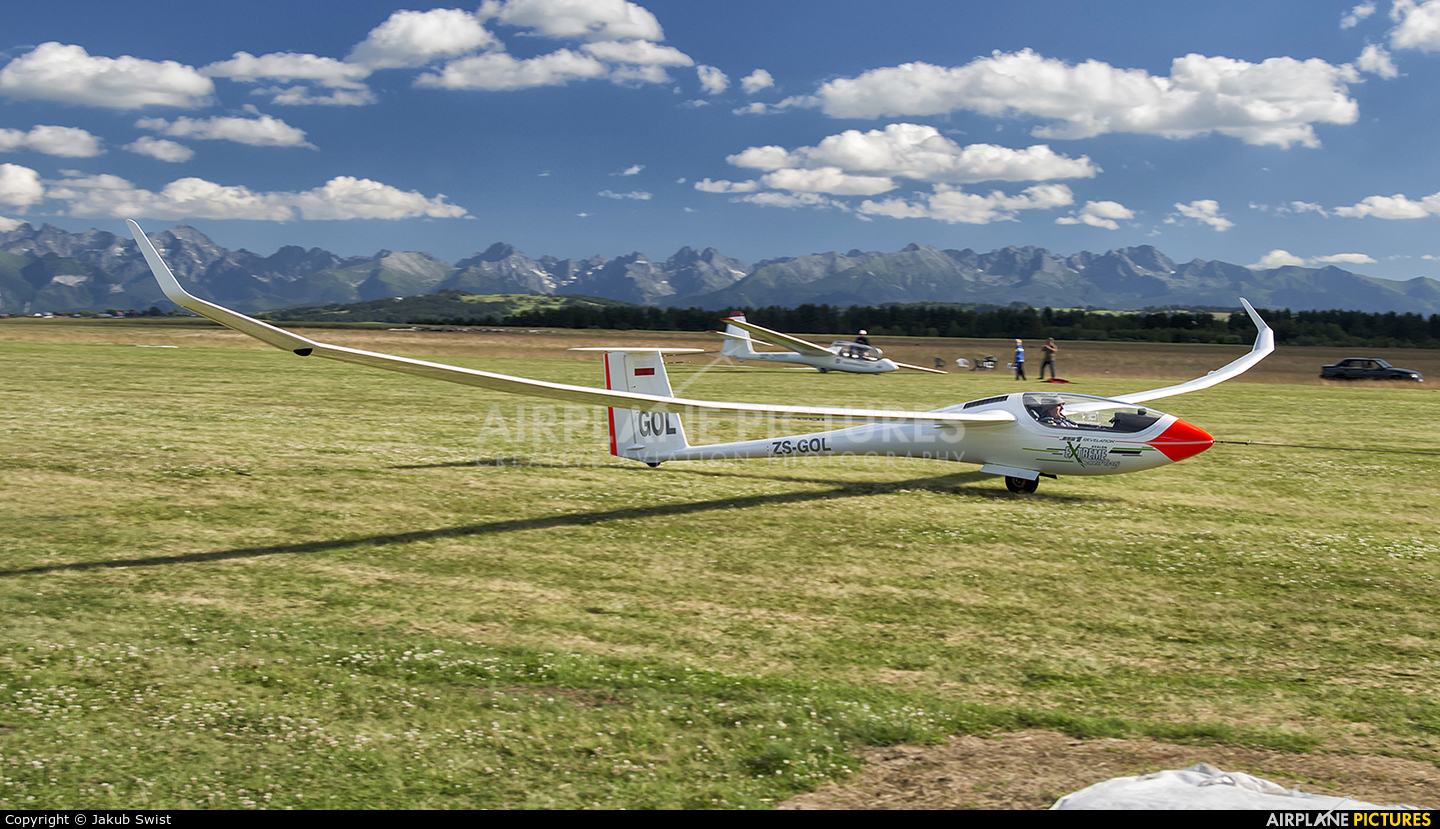 Private ZS-GOL aircraft at Nowy Targ