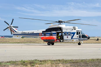 2244 - France - Air Force Aerospatiale AS332 Super Puma