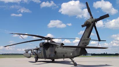 87-24643 - USA - Army Sikorsky UH-60L Black Hawk