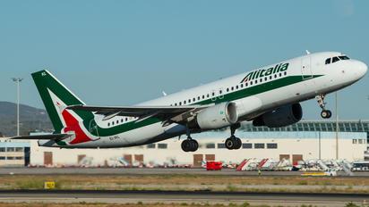 EI-IKL - Alitalia Airbus A320