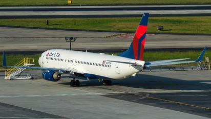 N3772H - Delta Air Lines Boeing 737-800