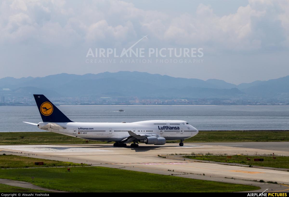 Lufthansa D-ABVZ aircraft at Kansai Intl