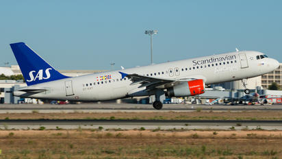 OY-KAY - SAS - Scandinavian Airlines Airbus A320