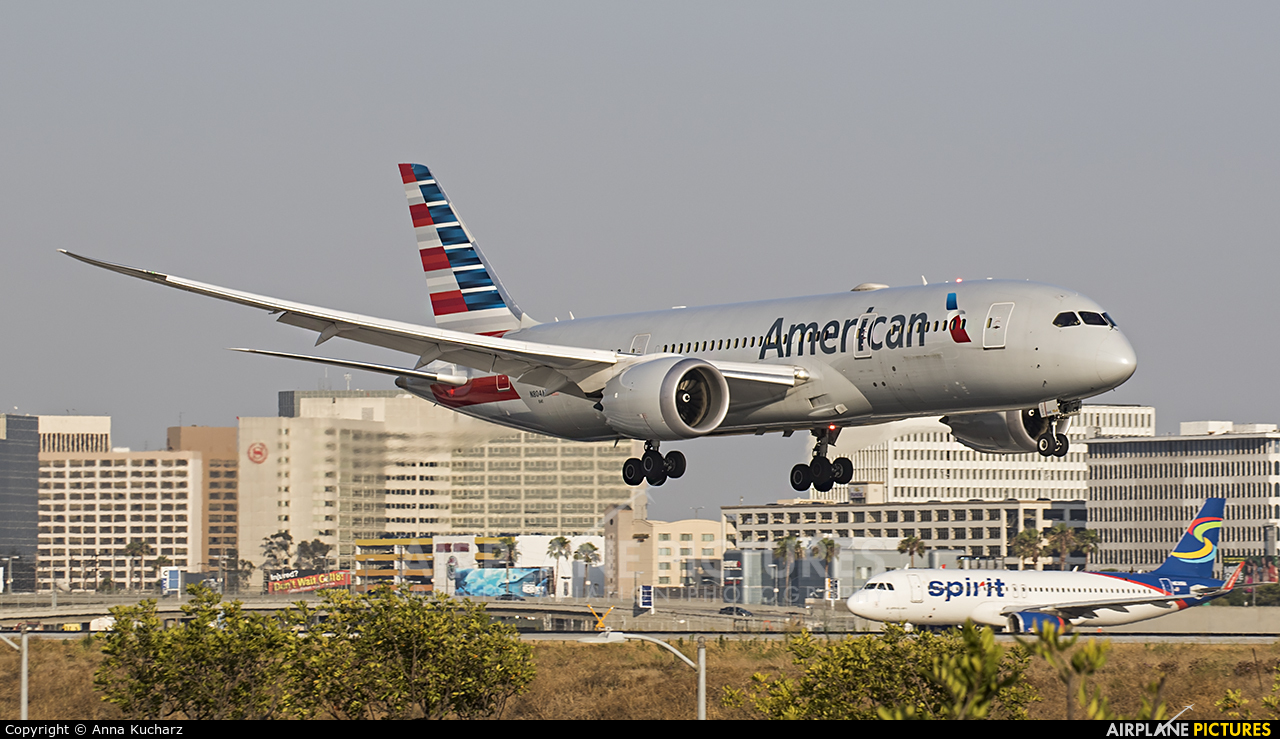 American Airlines N804AN aircraft at Los Angeles Intl