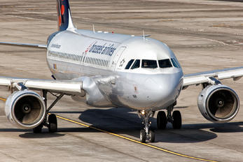 OO-SNH - Brussels Airlines Airbus A320