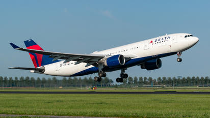 N859NW - Delta Air Lines Airbus A330-200