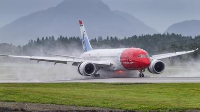 LN-LNH - Norwegian Long Haul Boeing 787-8 Dreamliner