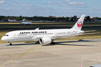 JA838J - JAL - Japan Airlines Boeing 787-8 Dreamliner