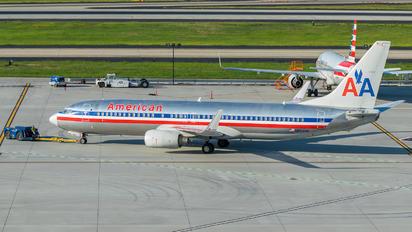 N854NN - American Airlines Boeing 737-800