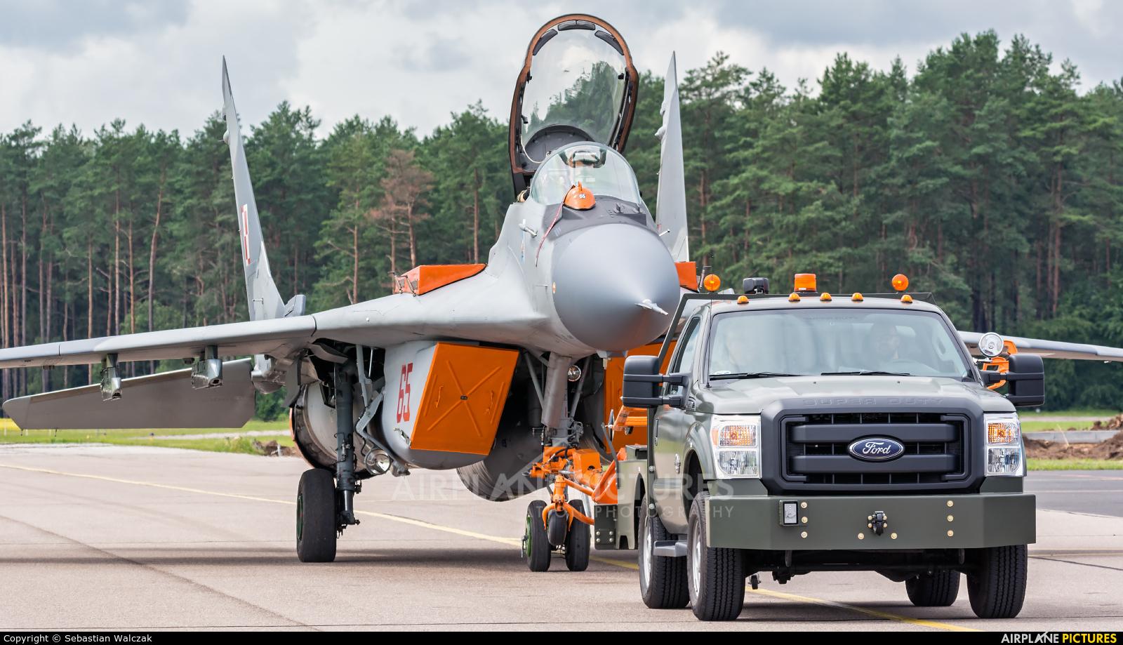 Poland - Air Force 65 aircraft at Siemirowice