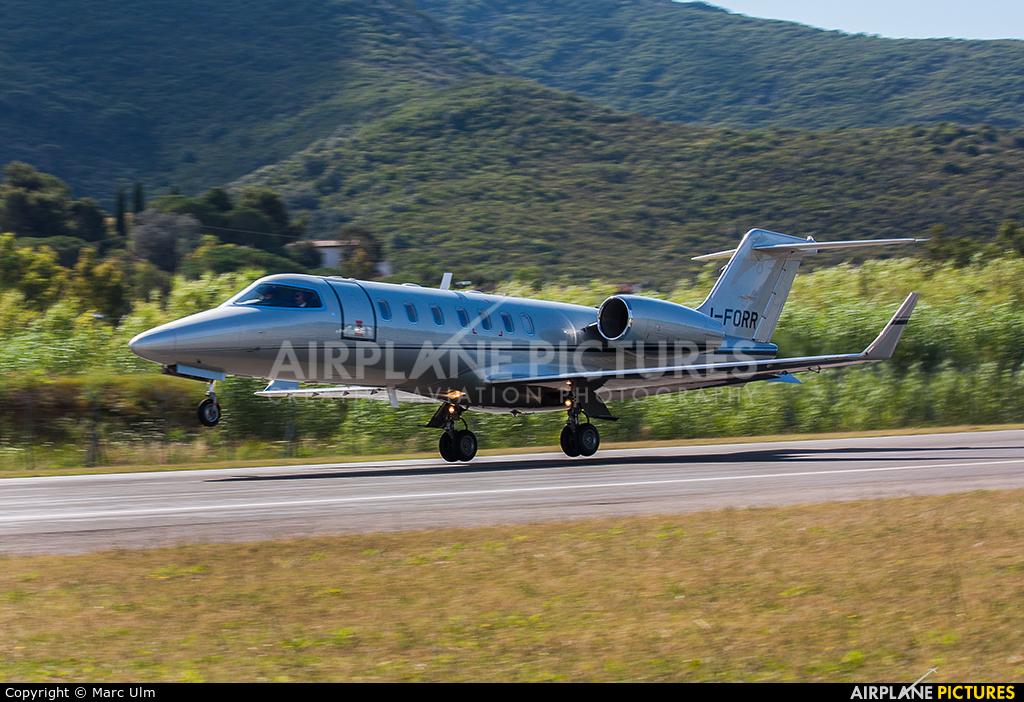Private I-FORR aircraft at Marina di Campo