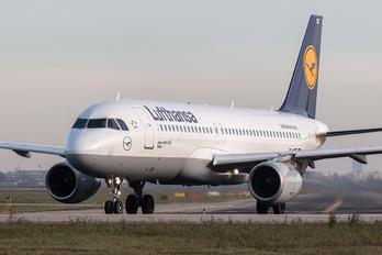 D-AIQT - Lufthansa Airbus A320