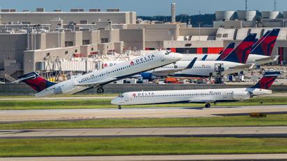 N935AT - Delta Air Lines Boeing 717