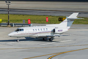 N2QG - Private Raytheon Hawker 800XP