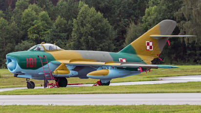 101 - Poland - Air Force PZL Lim-6M