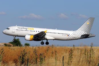 EC-LOP - Vueling Airlines Airbus A320