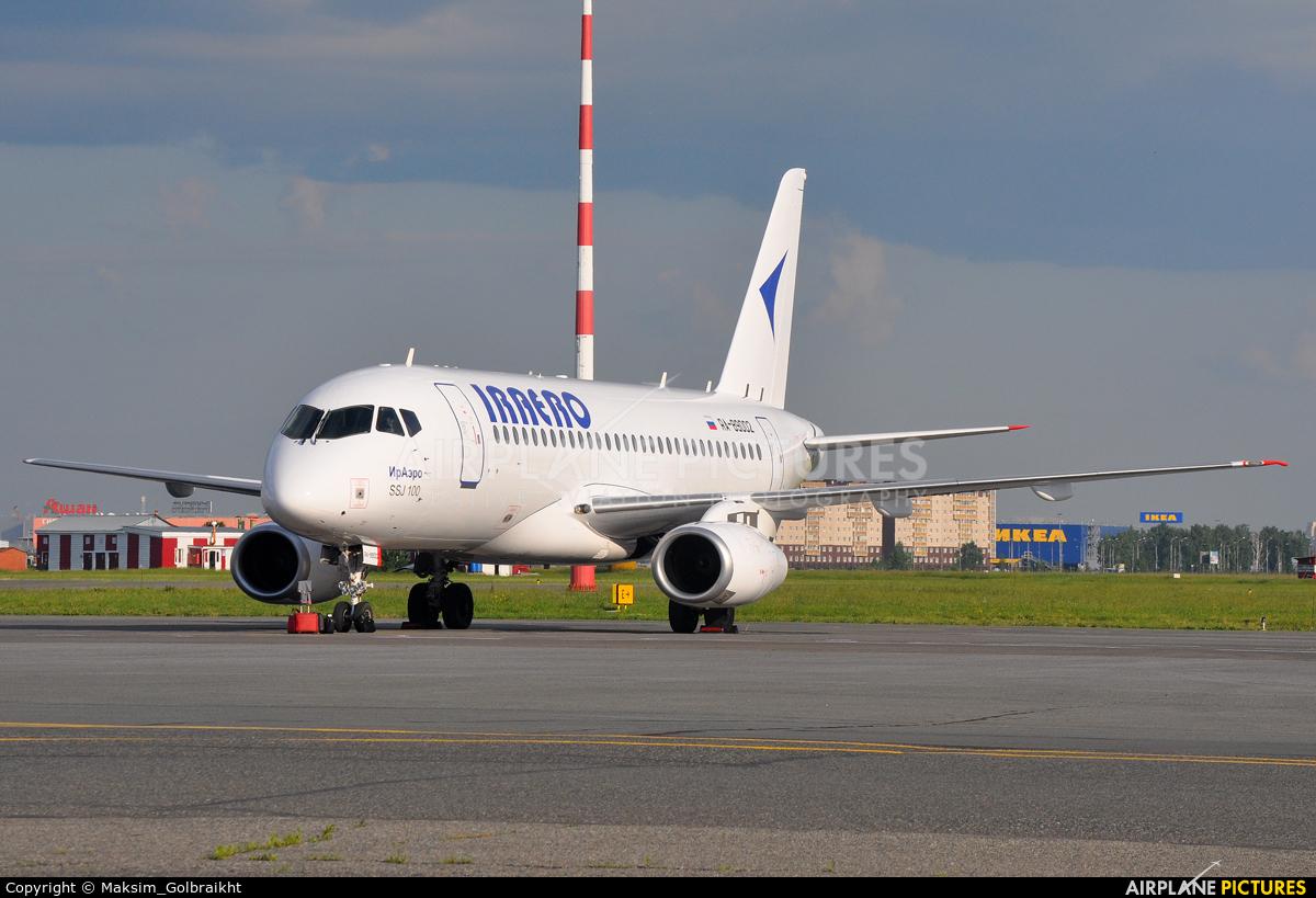 Iraero RA-89002 aircraft at Omsk Tsentralny