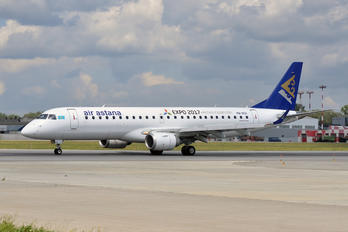 P4-KCK - Air Astana Embraer ERJ-190 (190-100)