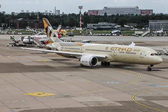 A6-BLF - Etihad Airways Boeing 787-9 Dreamliner