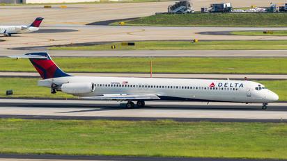 N911DL - Delta Air Lines McDonnell Douglas MD-88