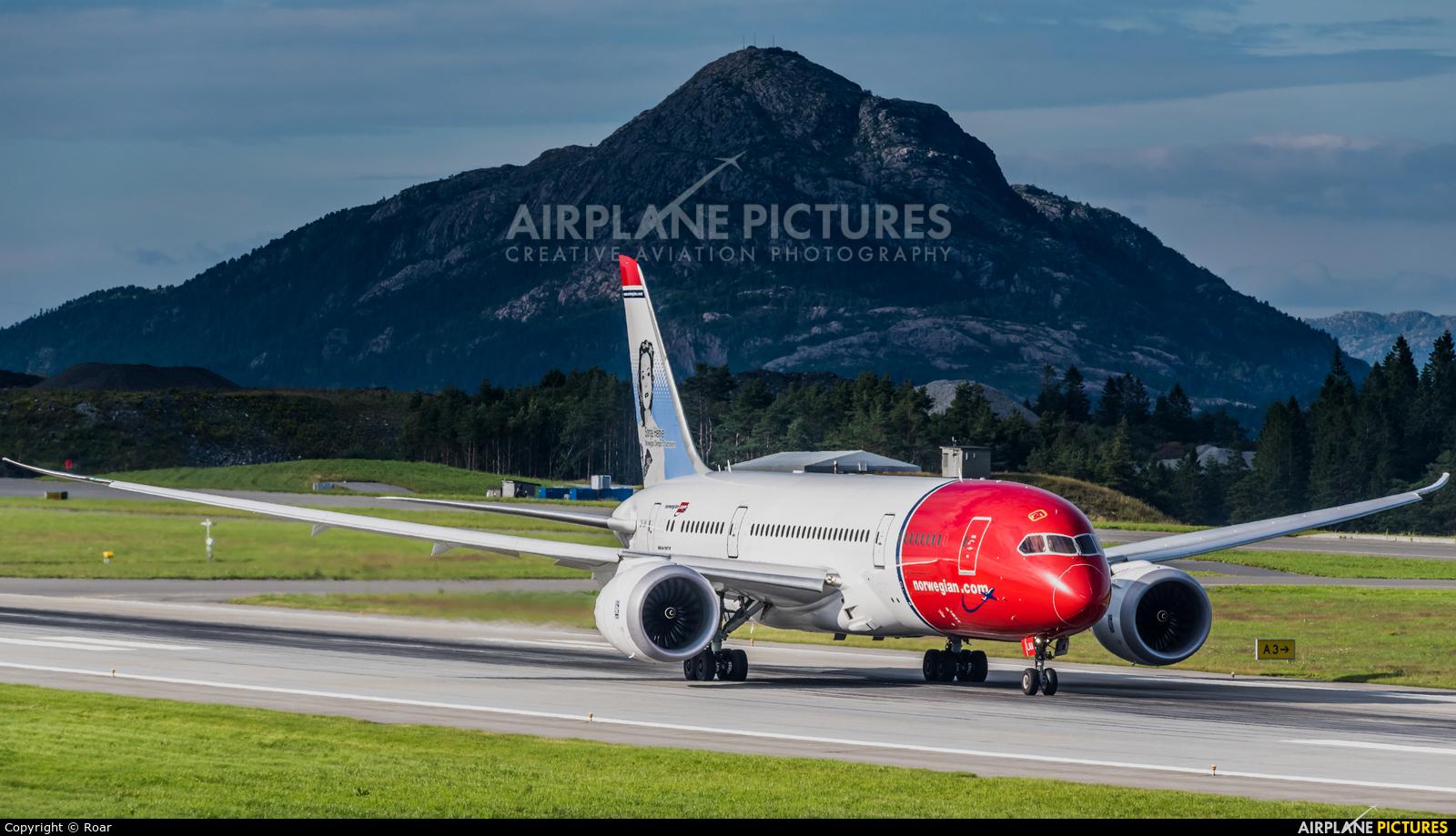 Norwegian Long Haul LN-LNA aircraft at Bergen - Flesland