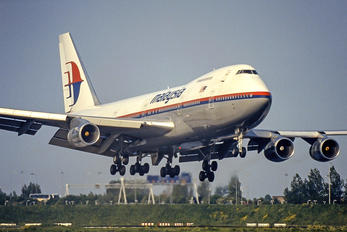 9M-MHG - Malaysia Airlines Boeing 747-200