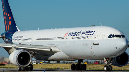 OO-SFO - Brussels Airlines Airbus A330-300