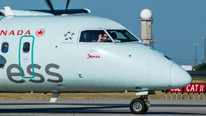 C-GONJ - Air Canada Express de Havilland Canada DHC-8-100 Dash 8