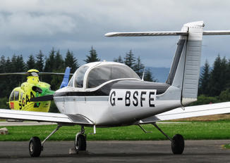 G-BSFE - Private Piper PA-38 Tomahawk
